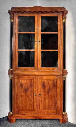 Restaurierung Aufarbeitung Verkauf Historischer Kirschbaummöbel